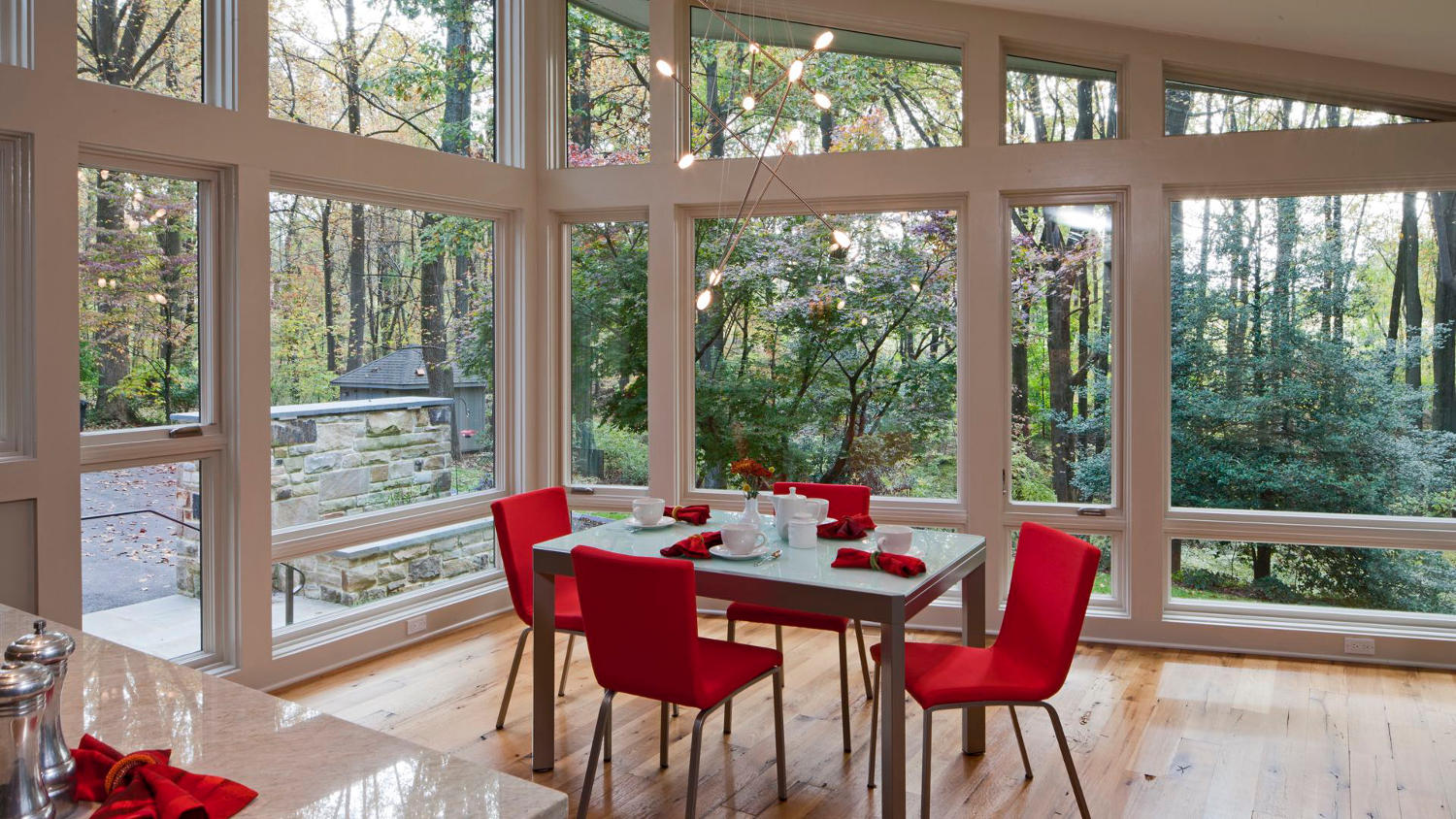 Contemporary window design in custom home eat in kitchen in Maryland