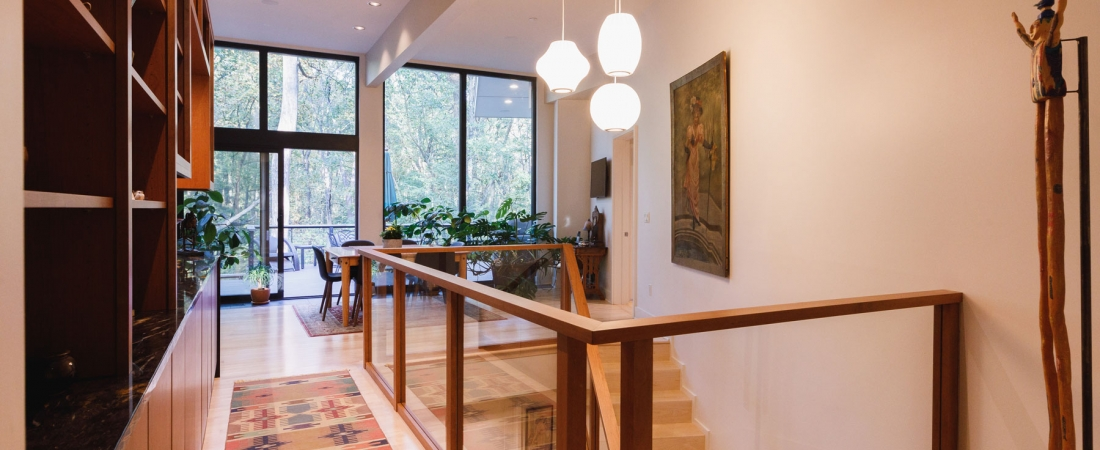 foyer-landing-dining-room-stairs-to-lower-level-1100x450.jpg