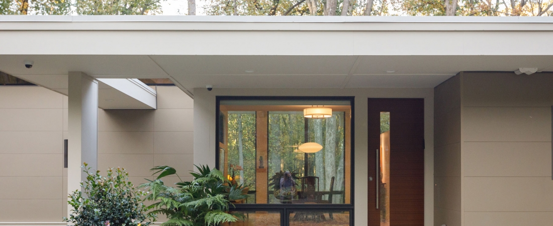 front-entrace-modern-home-maryland-1100x450.jpg